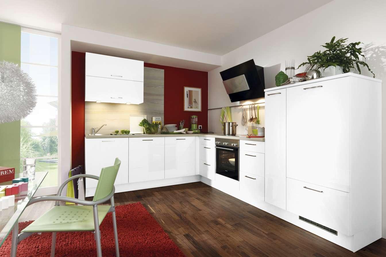Preiswerte Eck-Küche mit Elektrogeräten