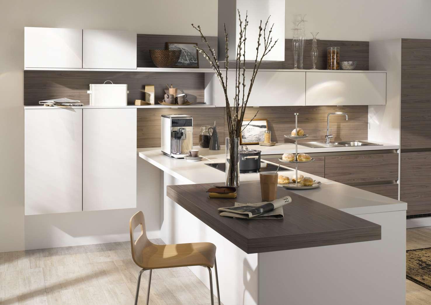 Moderne küche mit theke  Moderne Küche in L-Form mit Theke