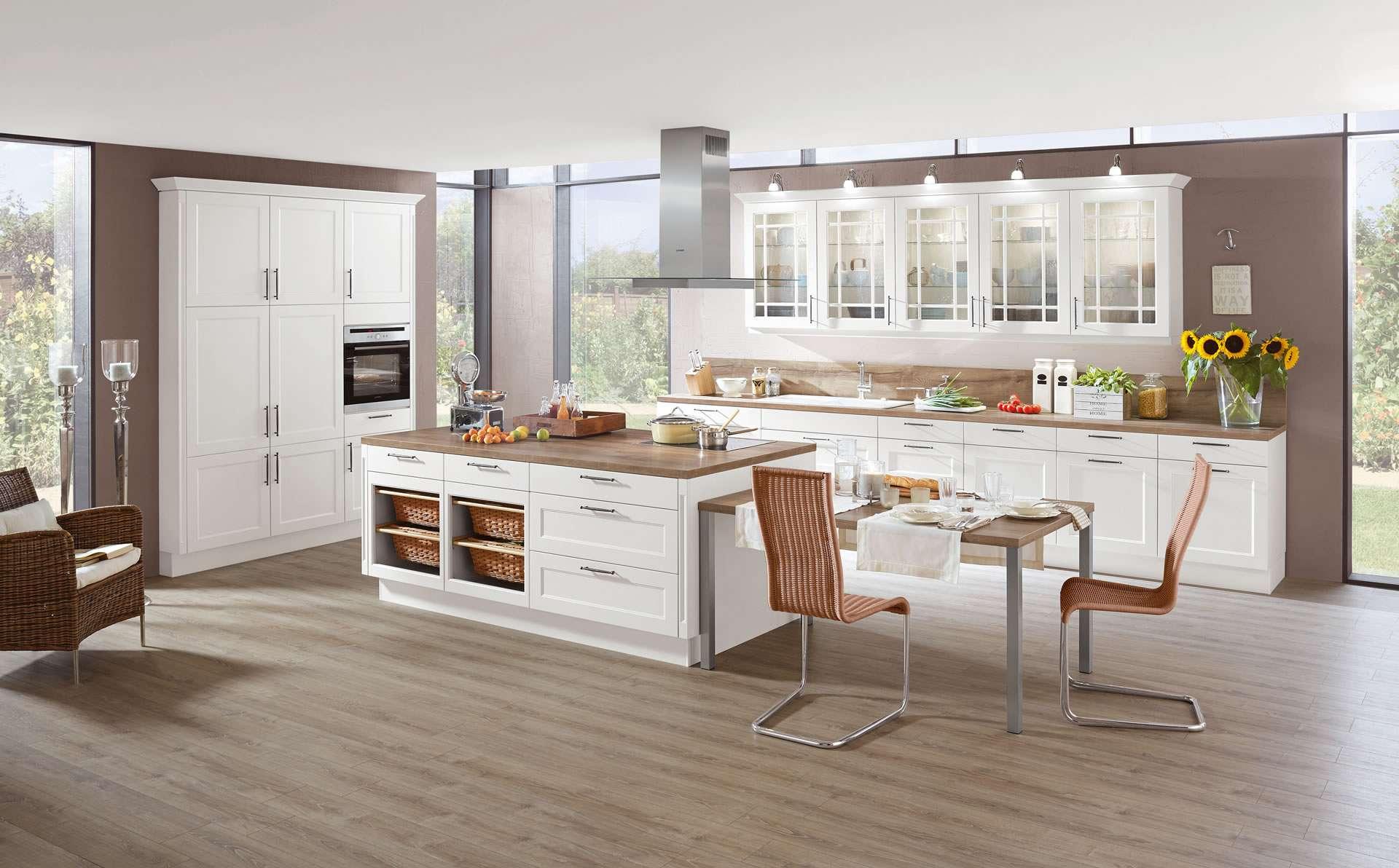 Küchen-Insel mit Sitzgelegenheit