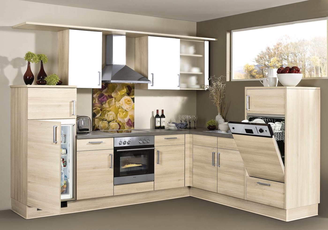 L-Küche in Holzoptik
