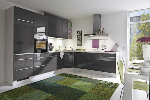glänzend graue Küche L-Küche mit Backofen Burger Susann ...