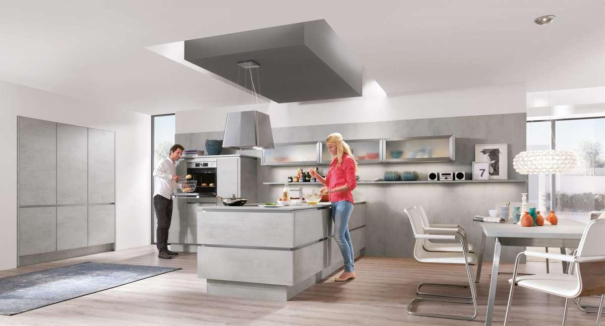 Inselküche mit elektrogeräten grifflos nobilia