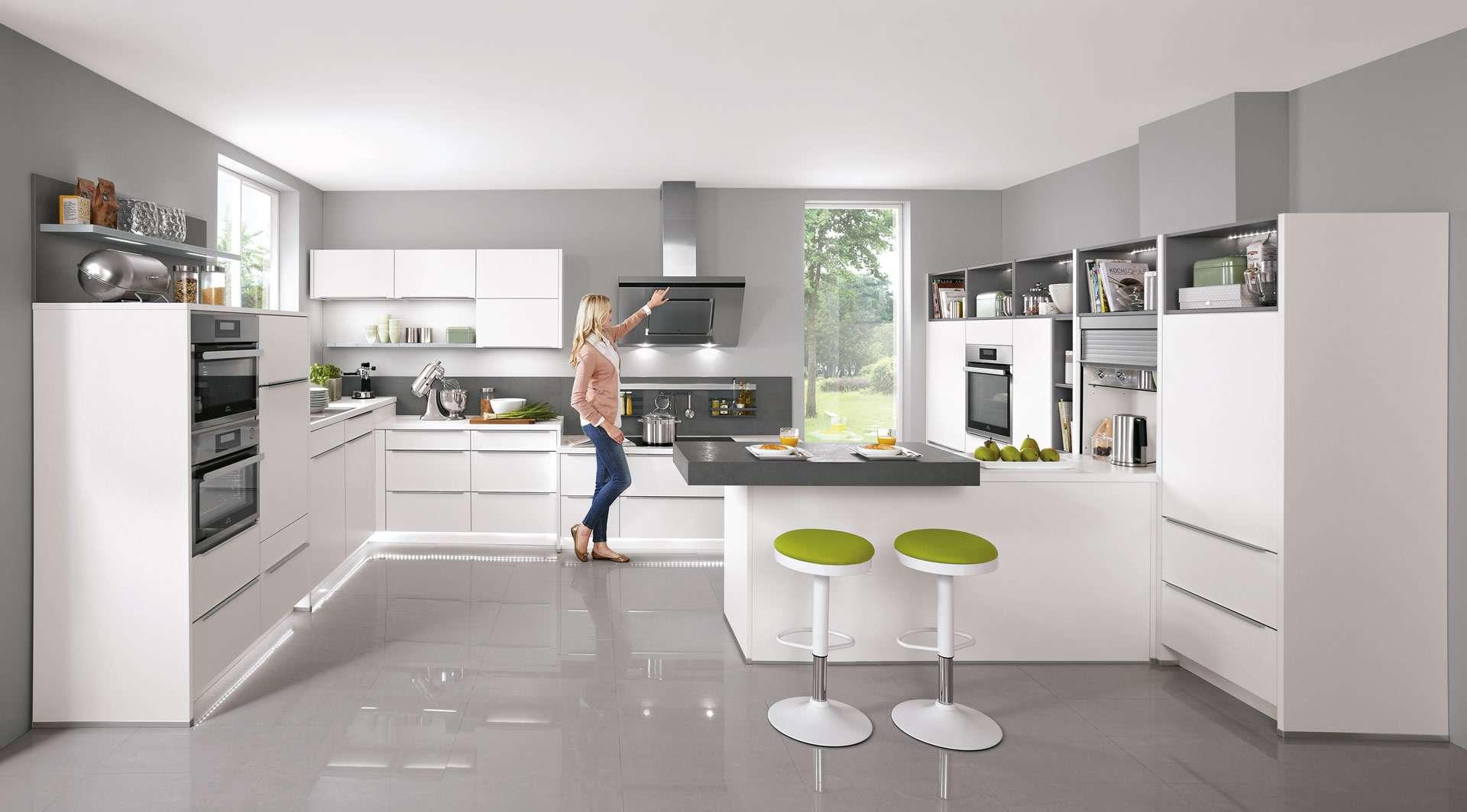 Küche mit Griffleisten in U-Form  ▷ Küchen Ideen