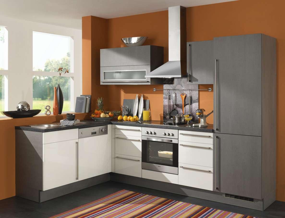 Günstige L-Küche mit Geräten